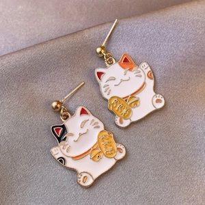 😺 Lucky Cat Drop Earrings 🍀